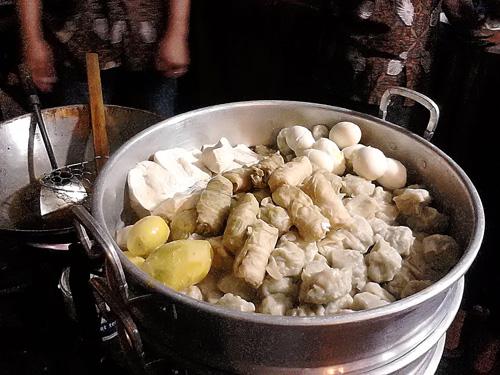 Berburu Makan Malam Di Mandala Krida 2 Siomay Mandala Jogja